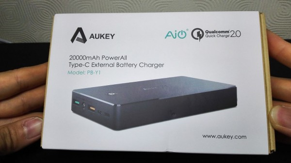 aukey-led-mobile-battery(PB-Y1)007