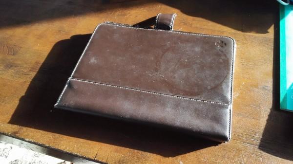 これが今まで使っていたiPadケース。