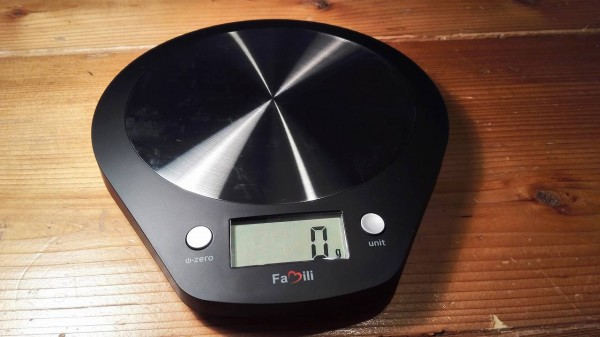 Famili-cooking-scale-black010