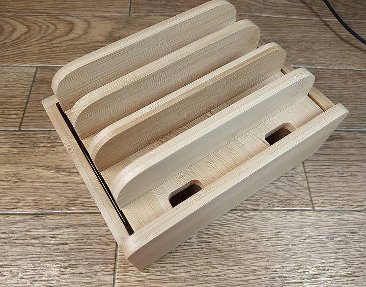 【充電スタンド】竹で作られたタブレットとスマホを縦置できるスタンド