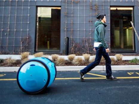 【GEEK News】スクーターで有名なVespaが作った新しい車両は「運搬ロボット」