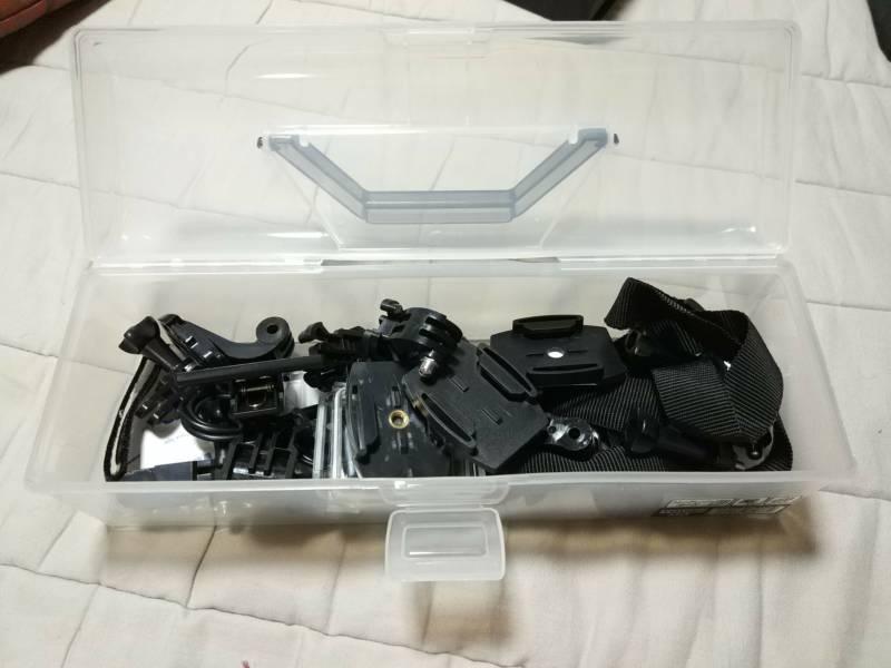 アクションカメラを買ったら、100円ショップでケースを買おう!