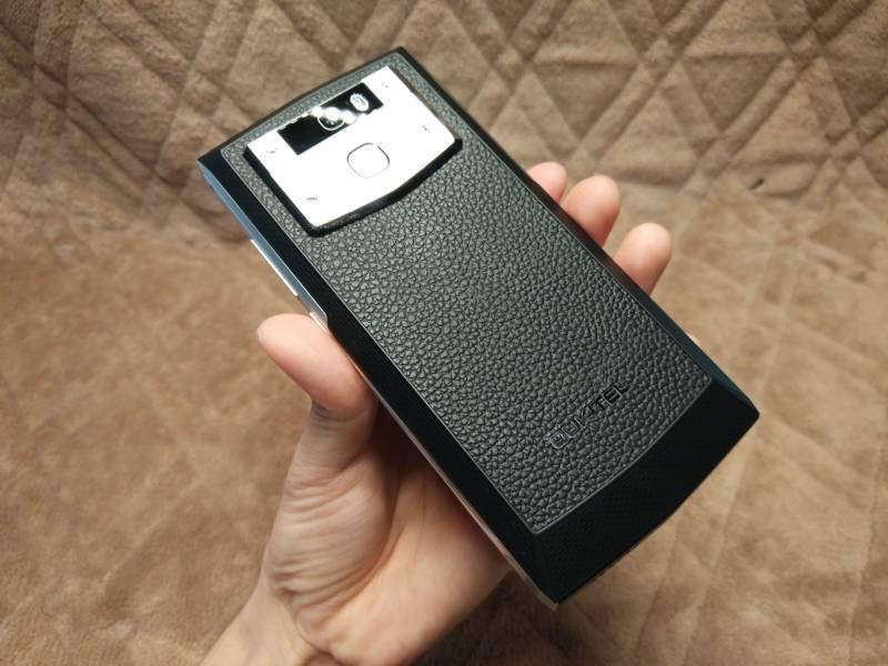 【中華スマホ・OUKITEL K10000 Pro】バッテリー容量10000mAhのPROバージョン!(開封編)