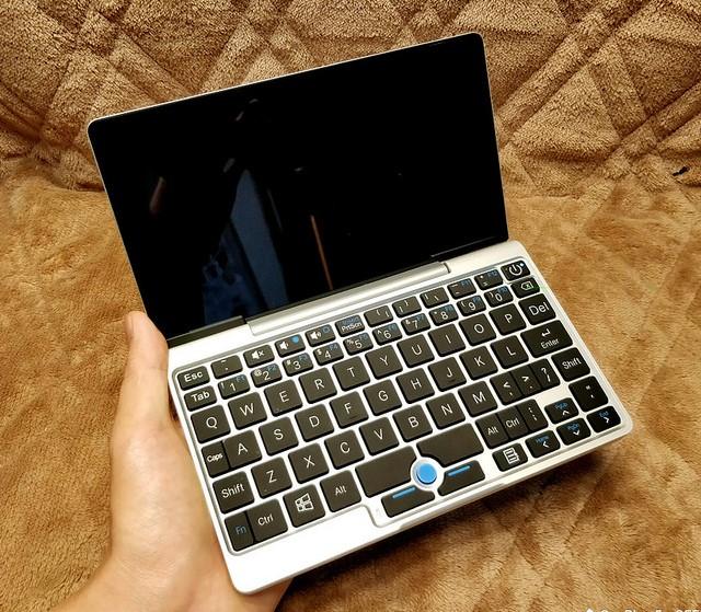【GPD Pocket・ミニPC】MacBookそっくりの!7インチミニPCがついに届いた!