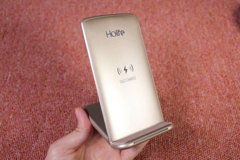 最新のiPhoneを買ったら、絶対に用意して起きたいガジェット!【Qiワイヤレス充電器 , Holife 】